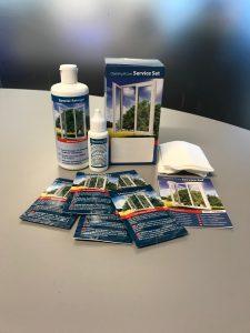 Akende hoolduskomplekt koosneb profiilide puhastusvedelikust, suluseõlist, niisutatud salvrätikutest ja puhastuslapist. Akende hooldamine kord aastas, tagab akende pikaealisuse. Kasuta akende hooldamiseks hoolduskomplekti Premium.