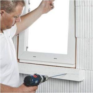 Klima Konform aknapaigaldusprofiilid liimitakse kaasaegse polümeerliimiga ja kinnitatakse kruvidega.